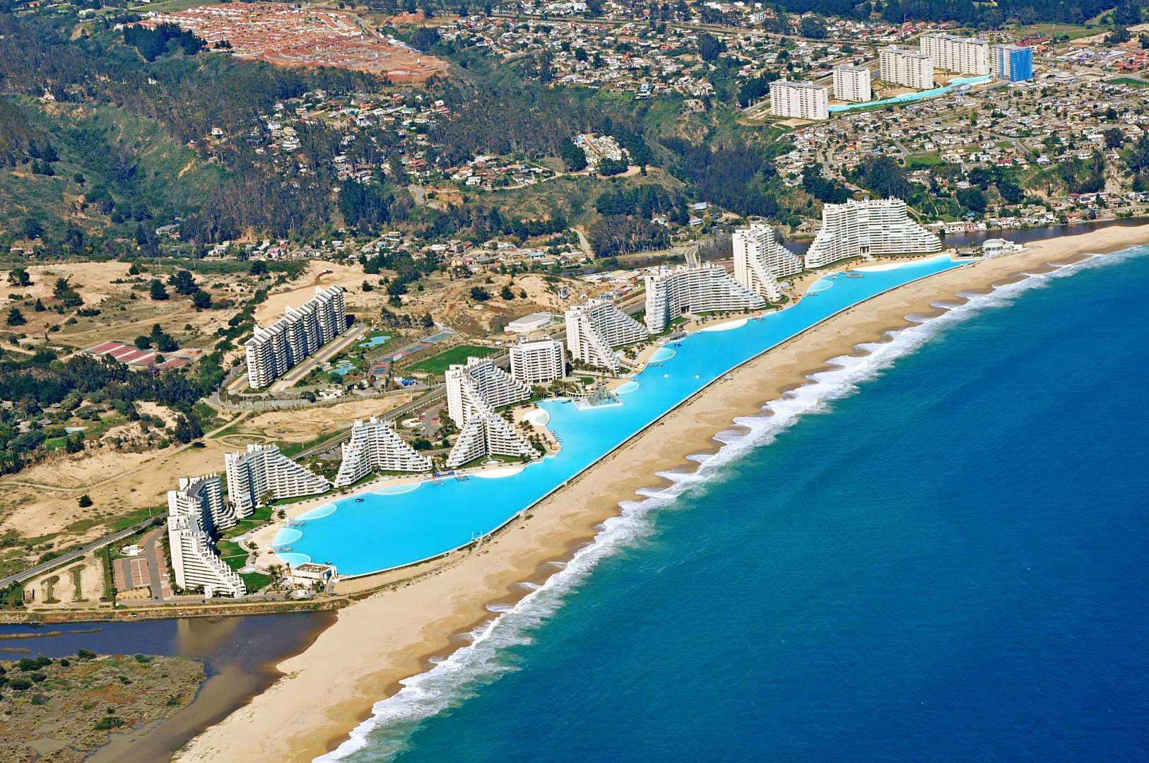 A maior piscina do mundo est no chile for Largest swimming pool in the world in chile