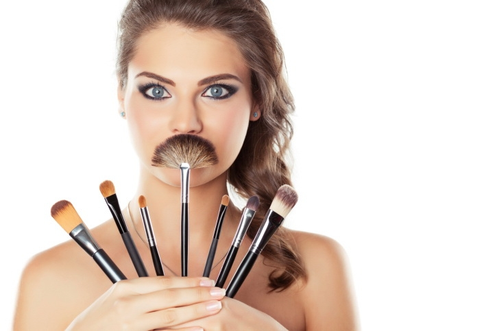 how_to_clean_your_makeup_brushes2