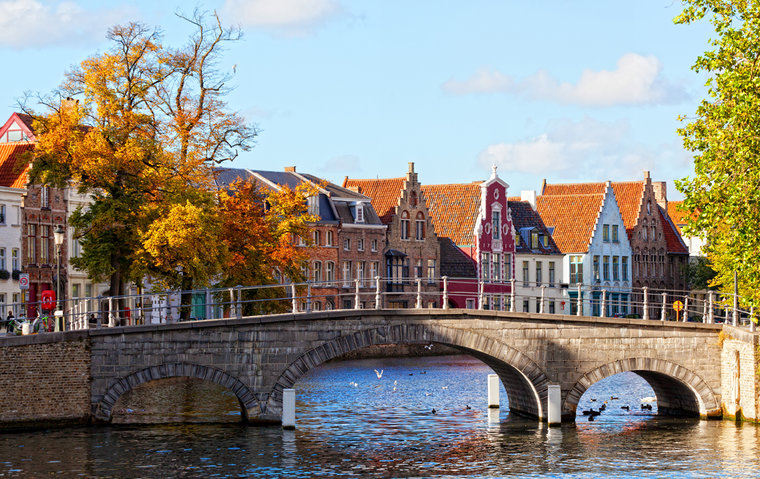 belgium-bruges-view-of-channels-_c_shchipkova_elena-shutterstock_143401075-862a9